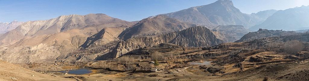 Kali Gandaki Tal mit Blick auf die Stadt Jahrkot