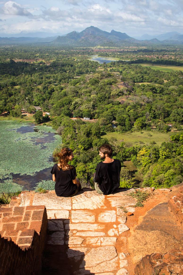 streifende Blicke am Sigiriya Rock