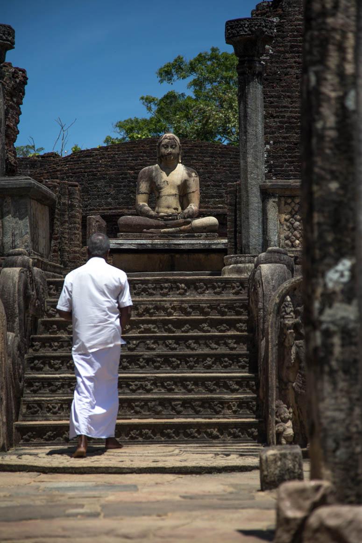 der heilige Moment in Polonnaruwa