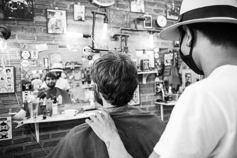 Beim Barbier Davor
