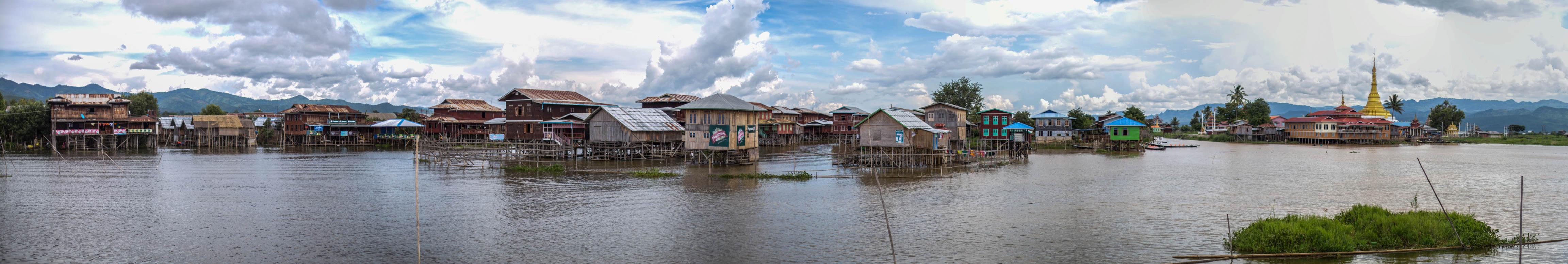 Mitten am Inle Lake stehen die schwimmenden Dörfer