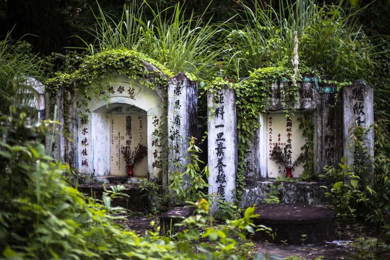 vergessene chinesische Gräber