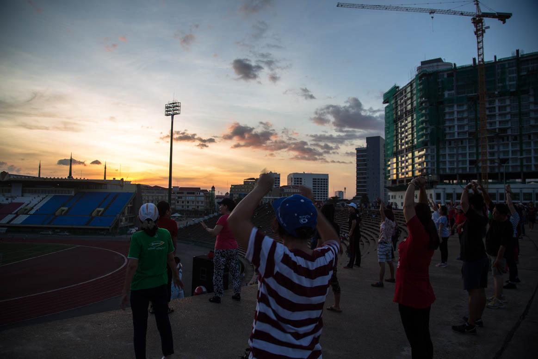 Abendgymnastik im Olympiastadium